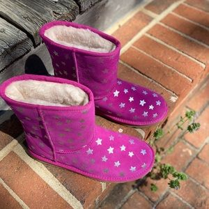 Ugg Classic Short II Water Resistant Stars Boot